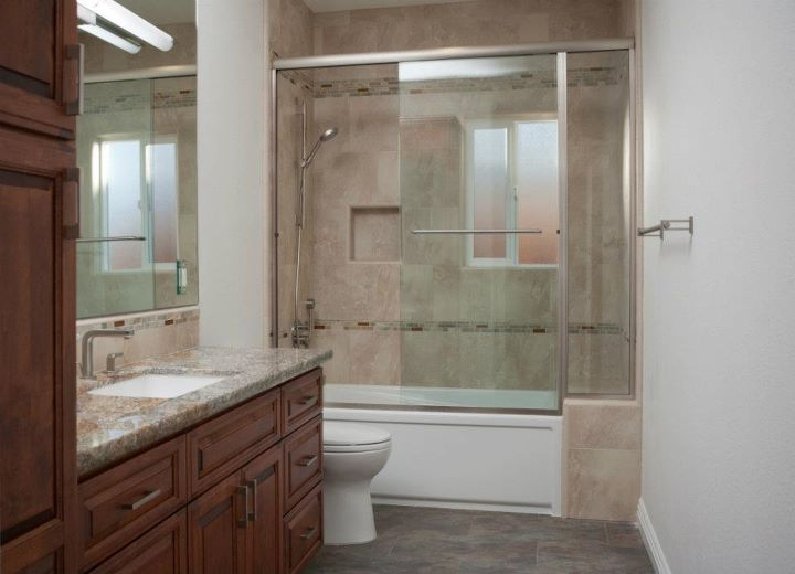 Simple 20 remodeled guest bathrooms decorating for Bathroom redesign