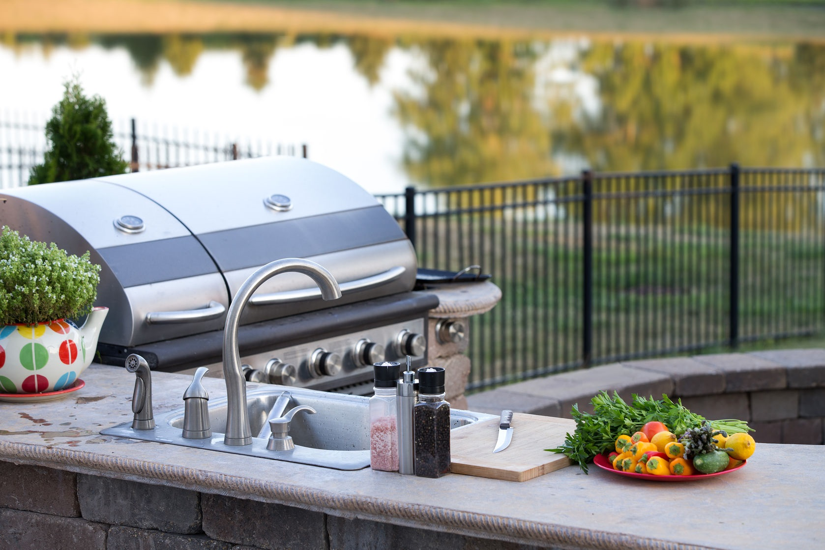 creating the perfect outdoor living spaces valley home builders